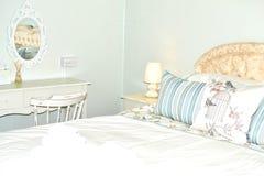 sjofele elegante slaapkamer 1 stock afbeeldingen