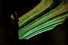 Sju månader av solbanan buktar den avlästa pinholemotsvarigheten Solargraphy Arkivbild
