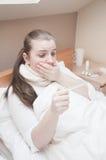 sjuk kvinna Royaltyfria Bilder
