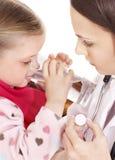 sjuk take för barnmedicin royaltyfri fotografi