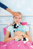 Sjuk tonåringflicka Arkivbild