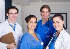 sjukhusallmäntjänstgörande läkare Arkivbilder