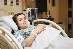 sjukhusgravid kvinna royaltyfri foto