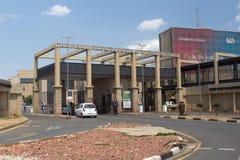 Sjukhusingång i Soweto royaltyfria bilder