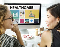 Sjukhussjukvårdbehandling som bläddrar begrepp Arkivfoto