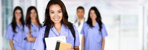 Sjuksköterska i sjukhus royaltyfri bild