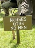 Sjuksköterskor - inga män undertecknar in lägret för USA-armén Royaltyfria Foton