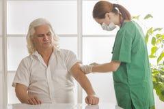 Sjukvård-, medicin- och åldringbegrepp - Royaltyfri Fotografi
