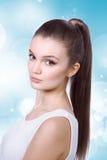 Sjukvård, skincare, brunnsort och skönhetbegrepp - ung kvinna Arkivbilder