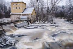 Sjundby` s rivier en stroomversnelling stock foto's