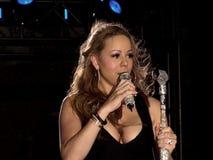 sjunga för careymariah royaltyfria foton