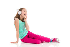 sjunga för flicka som är teen Arkivbilder