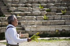 Sjunga i amfiteatern Arkivbild