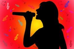 sjungande kvinna för silhouette Arkivfoto