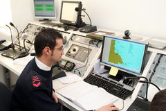 sjunka för räddningsaktion för kryssning för kommandoconcordiacosta Arkivbild