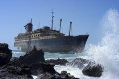 sjunken ship Arkivfoto