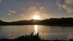 skälla över solnedgång Royaltyfria Foton