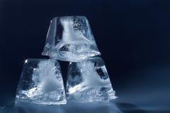 skära i tärningar ispyramiden Fotografering för Bildbyråer