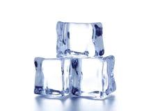 skära i tärningar issmältning Arkivbild