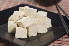 skära i tärningar tofuen Royaltyfri Fotografi