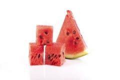 skära i tärningar vattenmelonen Fotografering för Bildbyråer