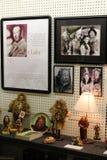Skärm av objekt, som talar av den Frank Baum, Wizard of Oz författaren och andra tecken, Chittenango, New York, 2018 royaltyfri bild