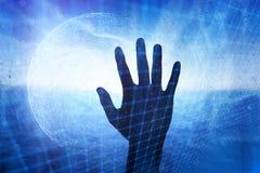 Skärm för Digitalt nätverk med den mänskliga handen royaltyfria foton