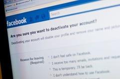 Skärm för Facebook kontoinaktivering, socialt massmedia royaltyfri fotografi