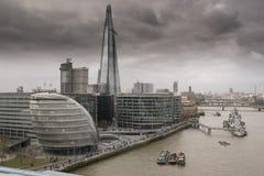 Skärvan och staden Hall London Arkivbild