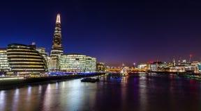 Skärvaskyskrapan i London, England Arkivfoton