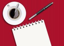 Skład pokazuje notepad z fontanny piórem i filiżanka kawy widzieć z góry royalty ilustracja