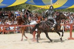 skådespelarear som medeltida riddare Royaltyfri Foto