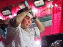 Skådespelaren förbereder sig för kinesisk opera Den kinesiska operan är en forntida drama i musikalisk väg i Bangko Royaltyfria Foton