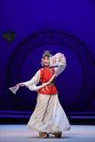 """Skådespelares eller dansares långa muffar i klassisk västra Chamber†för opera- eller dans-Kunquopera""""the  Royaltyfria Foton"""