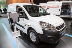 Skåpbil för Peugeot partnerelkraft Royaltyfri Fotografi