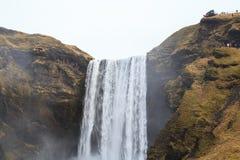 Skógafoss vattenfall i sydliga Island Arkivbilder