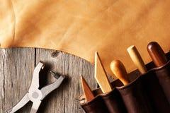 Skóra wykonuje ręcznie narzędzia obrazy stock