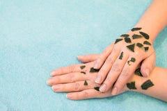Skóry opieka w wiośnie po zimy beriberi, uśmierza suchą, czerstwą szorstką skórę, obraz stock