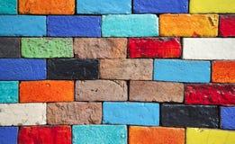 Skönhet av de färgrika tegelstenväggarna royaltyfri foto