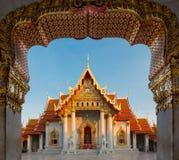 Skönhet av den thailändska tempelappellen Wat Ben eller marmortemplet Arkivbild