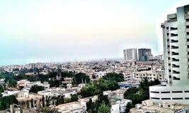 Skönhet av ditt hemland och väder, högväxta byggnader, himmel royaltyfria foton