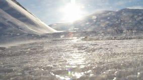 Skönhet av isberg Omgivningen av Longyearbyen, Svalbard En solig dag i mars Timelapse stock video