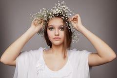 skönhet blommar ståendekranen royaltyfri foto