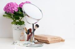 Skönhet och sminkbegrepp royaltyfria bilder