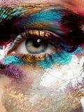 Skönhet, skönhetsmedel och makeup Ljust idérikt smink royaltyfri foto