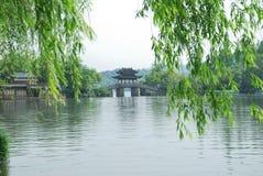 Skönheten av den västra sjön i Hangzhou Arkivbilder