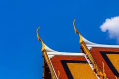 Skönheten av det Thailand tempeltaket Royaltyfri Fotografi