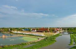 Skönheten av kanalerna och templen i bygden arkivbilder