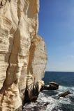 Skönheten av klipporna av Rosh mummel Nikra. Arkivfoton