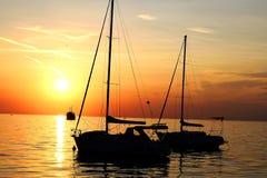 Skönheten av solnedgången på kusten Arkivbilder